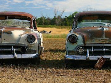 old-scrap-cars