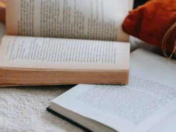 novels on a fabric
